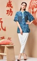 printed button front top with elbow length sleeves and emboidered pockets in regular fit