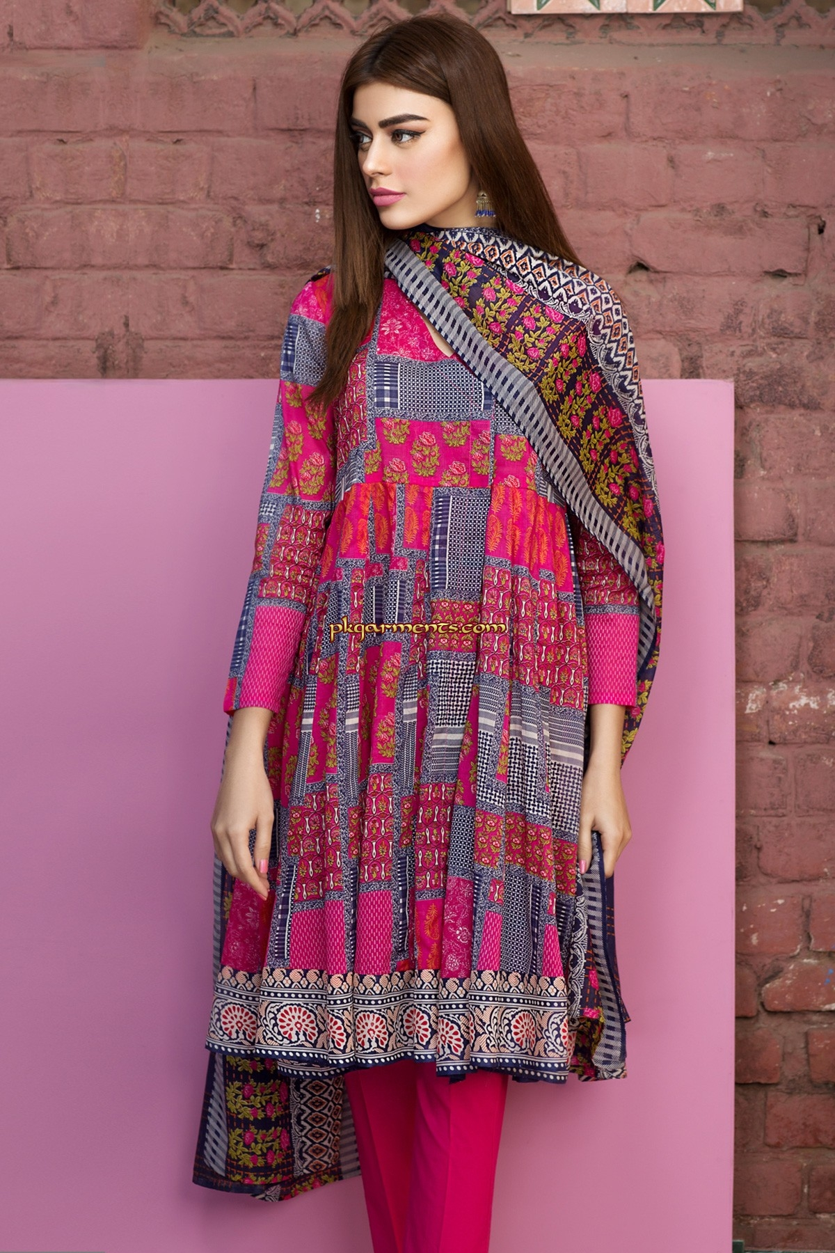 Lawn clothes pakistani online