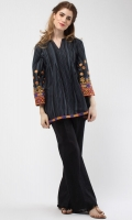 Round Neck 3/4 Length Sleeves Embroidered Cuffs Printed Back