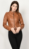 Leather jacket with lining Front zip closure Long sleeves Color: Brown