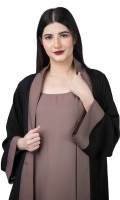 Front-Open style with stitched brown inner. Bell-Shaped Sleeves. It comes with a complimentary hijab