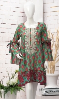 Contemporary embroidered kittel. Round neck. Full sleeves with gathered elbow flare. Short length