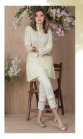 Dobby straight shirt with embroidered neckline and sleeves.