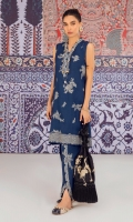 In a majestic navy blue hue, this attractive sleeveless ensemble is beautifully adorned with a V-neck collar and beautiful block print all over. This graceful shirt comes with a matching tulip shalwar to complement the look