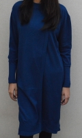 Round neck long sweater with detailing on front  SIZE