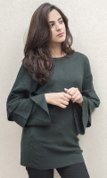 Round neck with ruffled bell sleeves  SIZE
