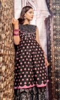 Black cotton lawn a-line mid length top with pink lotus embroidery all along the panels, textured black on black embroidered bodice with diamantes and pearl buttons. Daaman flare finished with rose pink scallops. Paired with silver dust printed flared bottoms.