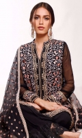 Classics that are to die for. Tamanna features intricately embroidered baroque patterned front open shirt that gives you a modern yet traditional look at the same time. These traditional and modish flared cullote pants detailed with embroidered lace completes the look. It comes with embroidered organza dupatta finished with lace all over the edges.