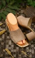 fashion-ladies-heels-for-eid-2021-5