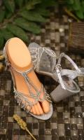 fashion-ladies-heels-for-eid-2021-6