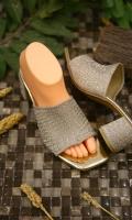 fashion-ladies-heels-for-eid-2021-9