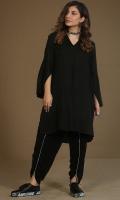 Black shirt with v neck Side pockets and slit at sleeves details