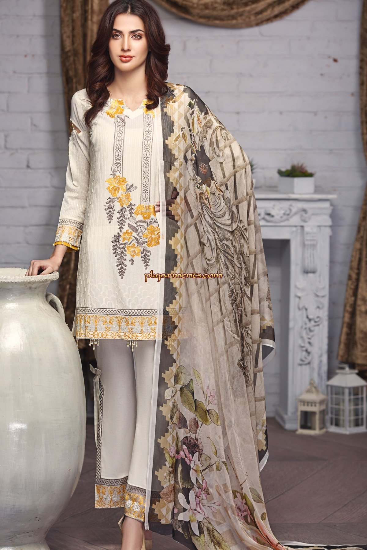 ebfa8a9480 Razab Embroidered Swiss Lawn Collection 2018 | Pakistani Clothes ...