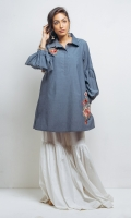 Collar tunic with gathered sleeve and embroidered back and front.